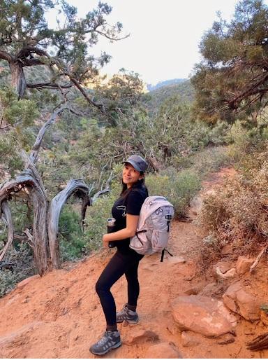 best-hiking-gear-list-for-female-trekkers