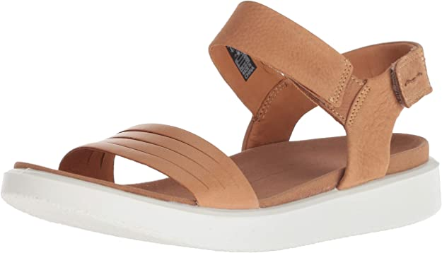 best-sandals-for-travel-this-summer