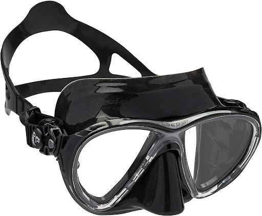 scuba-diving-essentials