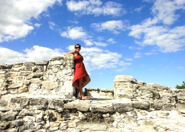 8-year-anniversary-of-travel-fashion-girl