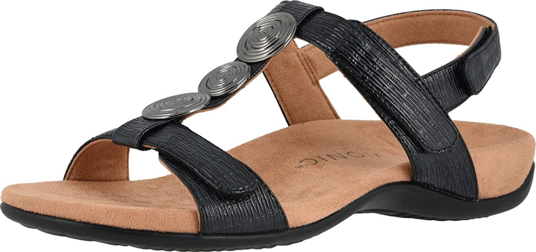 best-walking-shoes-for-flat-feet